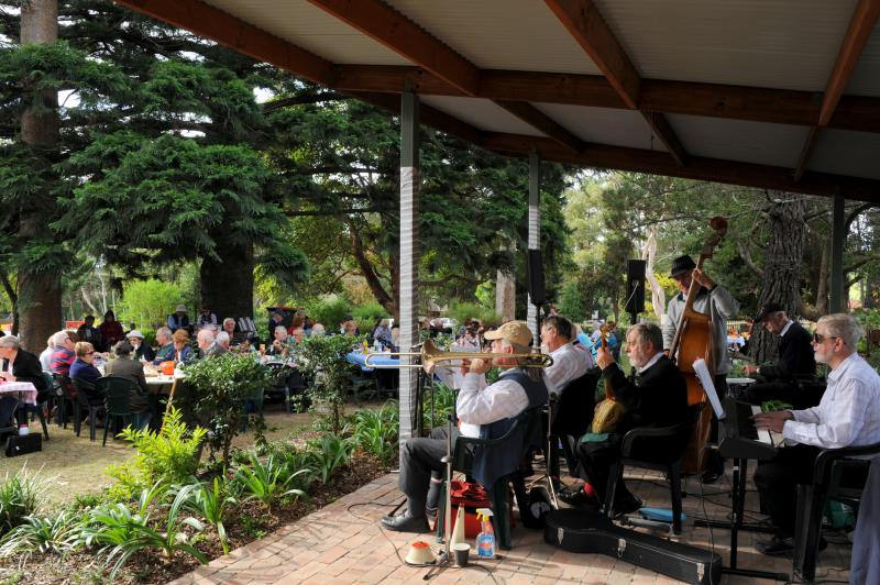 Jazz at the Pines, Dural